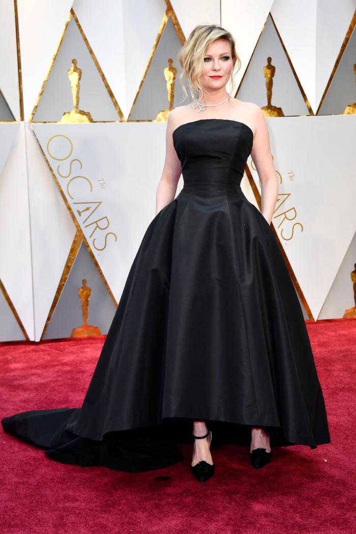 Kirsten Dunst optou por um Dior Couture. Foto: divulgação