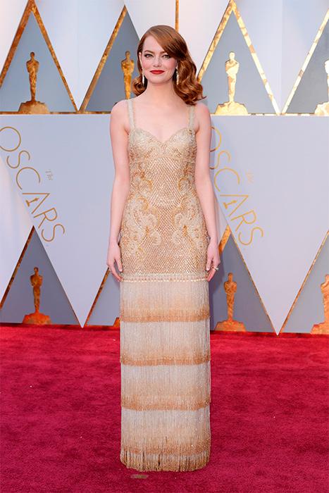 Emma Stone com modelo da Givenchy Haute Couture. Foto: divulgação